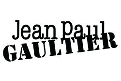 Jean-Paul Gaultier: La collection horlogère signée par le couturier Jean Paul Gaultier est à l'image de son univers avant-gardiste : forte,