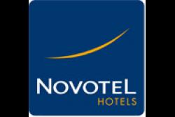 <b>Fontainebleau:</b> 1 à 3 nuit(s) en double avec accès spa, dîner et pdj en option au Novotel  Ury 4* pour 2